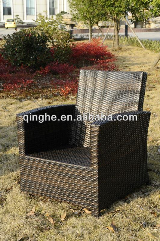أريكة مجموعة الأثاث في الهواء الطلق للماء يتمتعون بنسبة