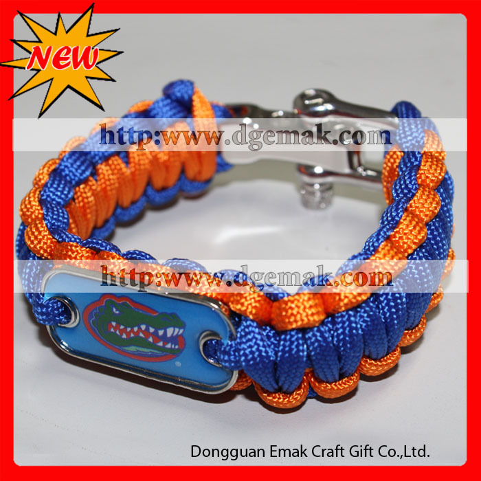 2013 newest NBA football soccer magnetic bracelet custom logo.JPG