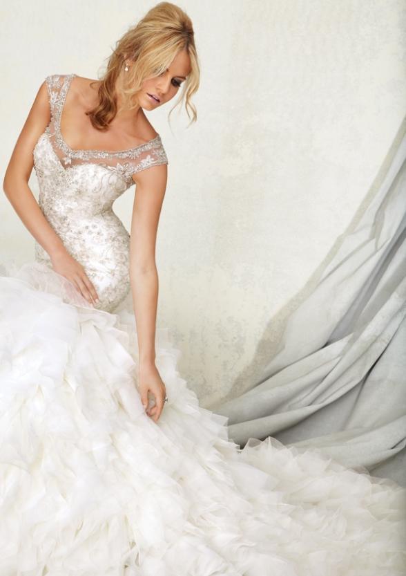 TWD278 Vintage Embroidery Trumpet Mermaid Keyhole Illusion Back Wedding Dress