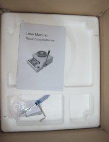 Garanti 100% NEW embosseuse, Pvc carte manuel machine à gaufrer - 68 pcs mots, Gros et de détail
