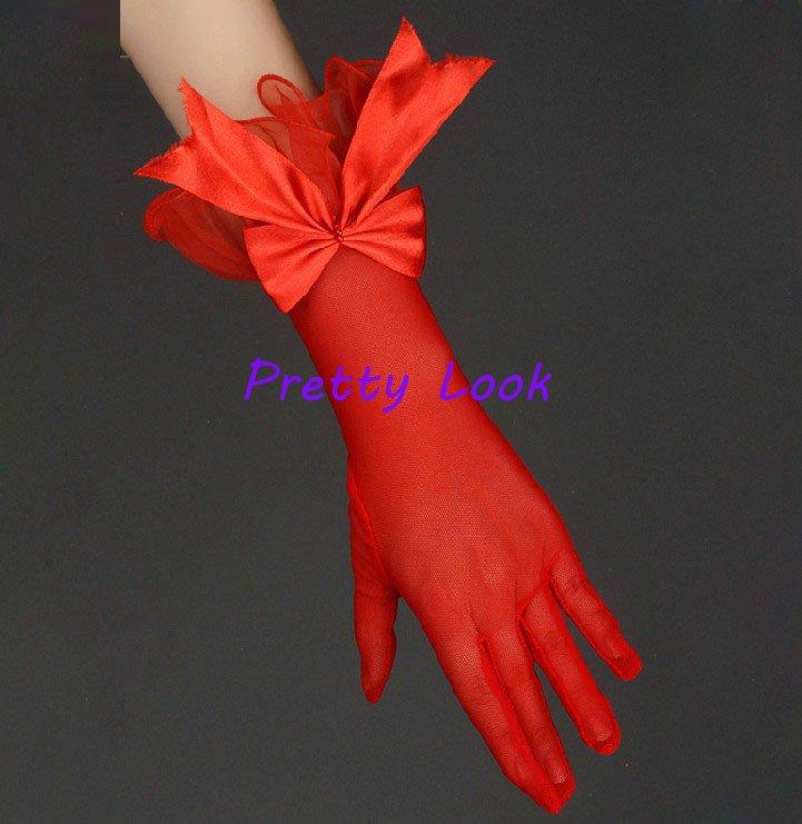 Короткие платья с перчатками