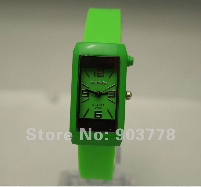 300pcs/lot free Shipping hot sale discount fashion quartz love silicone band wrist watch(analog, unisex,red,etc.10colors)