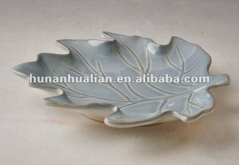 Japanese style handpainted ceramic maple leaf shape plates