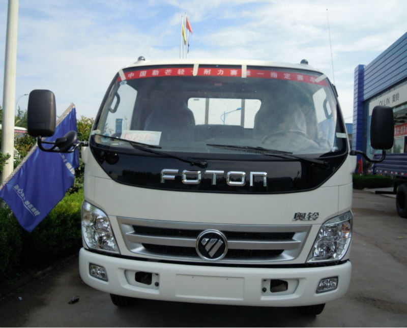 China Foton 4*2 Van Cargo Truck