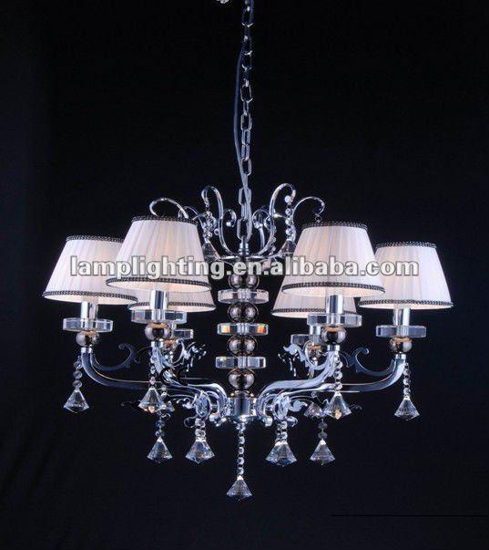 Lampadari con paralume decorare la tua casa for Lampadari di tessuto