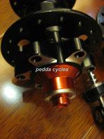 free shipping QUANDO/QUANTA 4 bearing super light hubs,MTB hub,disc brake bike hub/black