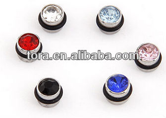 2013 new design titanium stud boys earrings