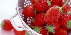Japanese White chocolate in freezedryed strawberry 100g
