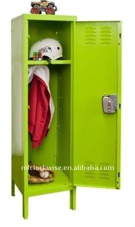 green kids locker 02.jpg