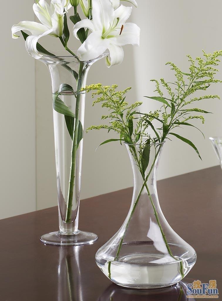 florero de cristal claro