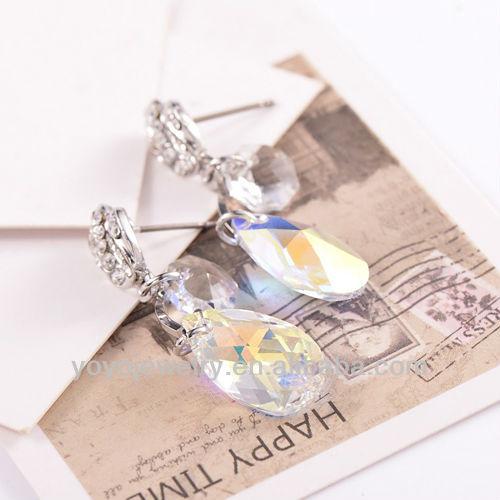 Nep Diamanten Oorbellen E1052 Nep Parel en Diamanten