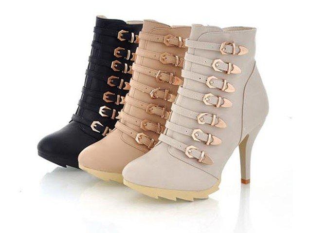 ...магазин, где можно купить недорого точные копии одежды и обуви известных мировых брендов.