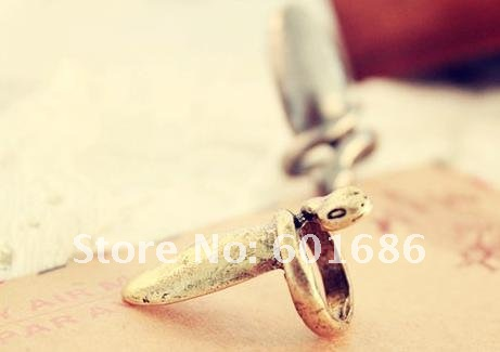 Hot Fashion Finger Nail Snake Design Ring Lady Young Cool Individuality Rings New Free Shipping