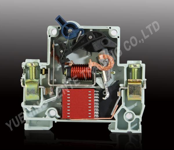 Xmm65- 63( c45) type mcb disjoncteur de haute qualité avec 4p