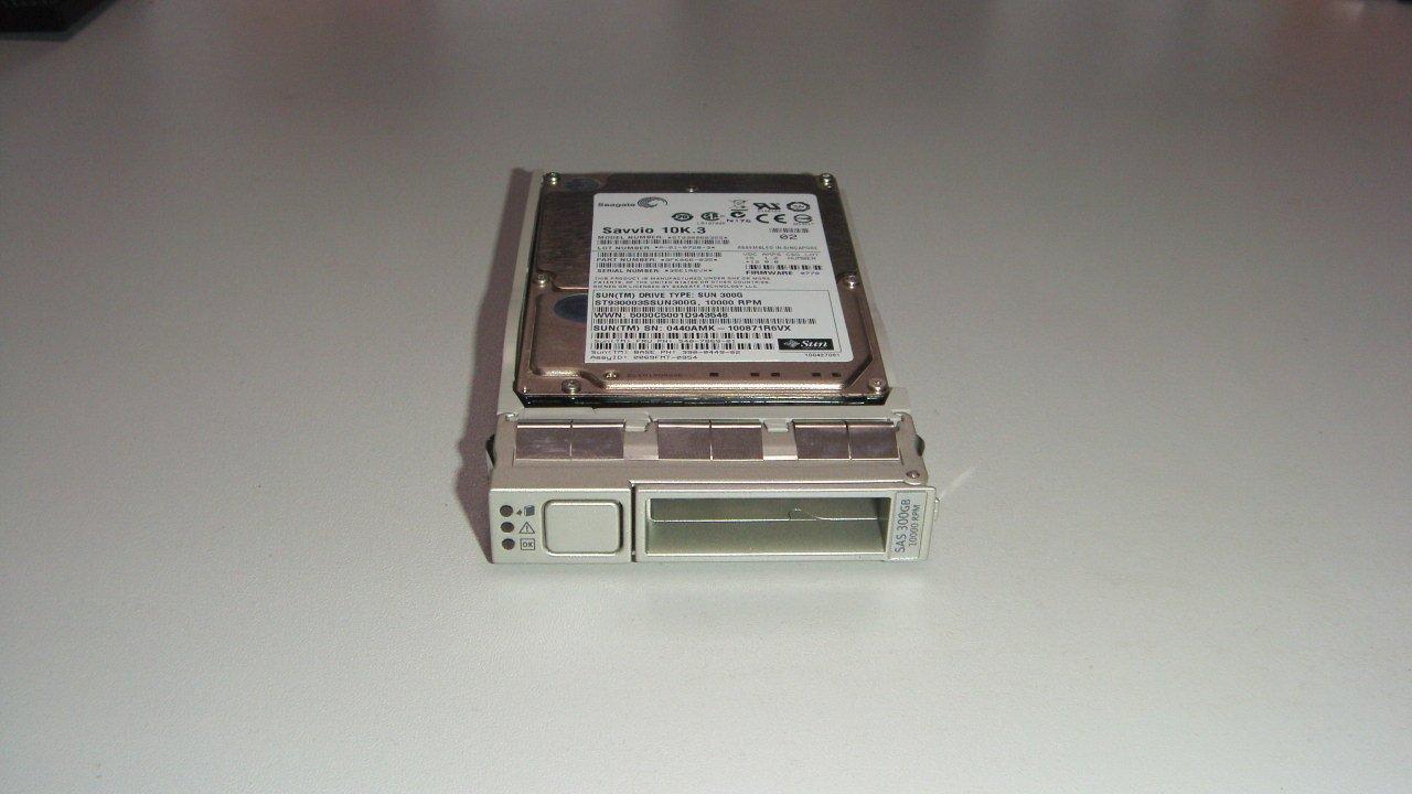 SUN 540-7869 300G 10K 2.5 SAS HARD DISK XRA-SS2CF-300G10K