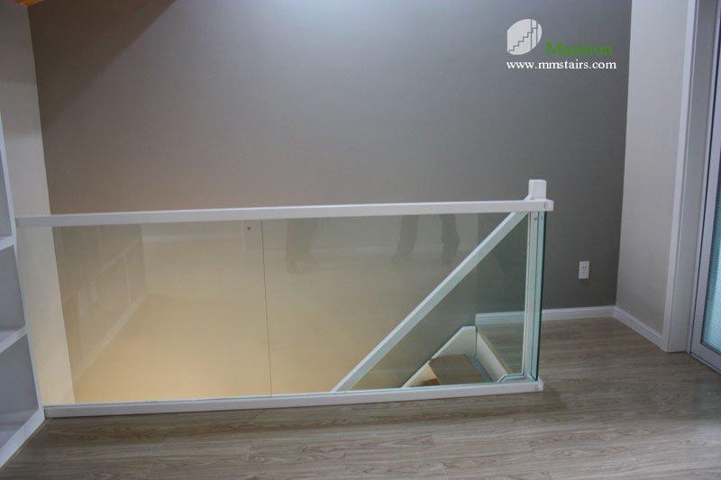 Las escaleras de madera barandilla de vidrio escaleras - Pasamanos de cristal para escaleras ...