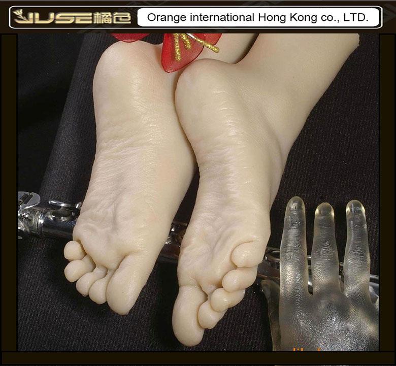 Белые носки фут фетиш