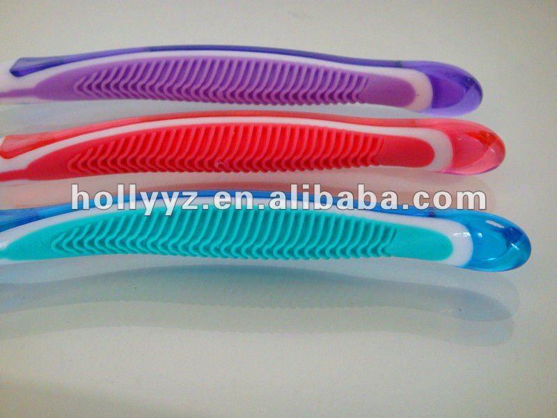 2013 top Professional design travel mini toothbrush