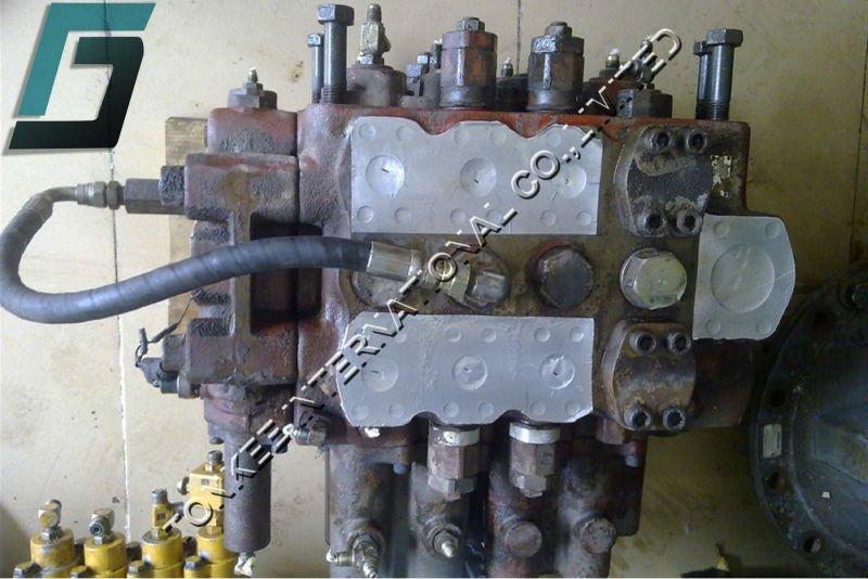EX400-1 CONTROL VALVE.jpg