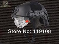 Защитный спортивный шлем
