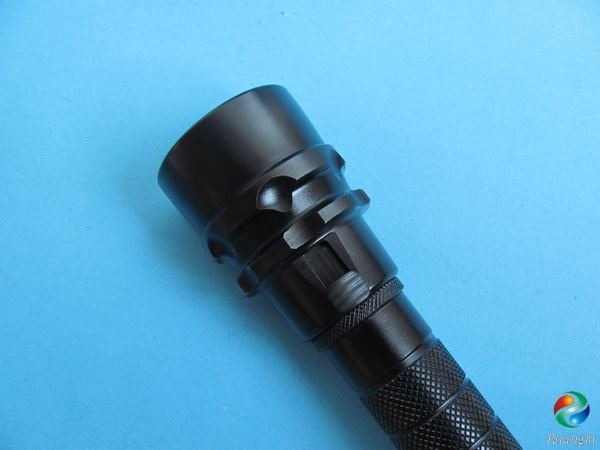 NEW ARRIVAL! Diving Flashlight XML T6 900 Lumen LED Torch With Magnetic Control