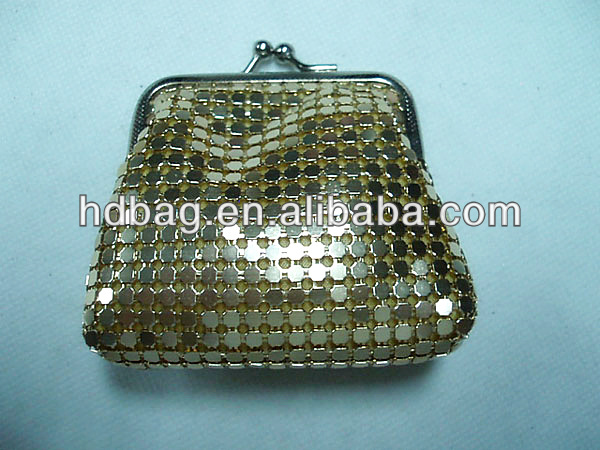 lady's gold color aluminum mesh clip coin purse