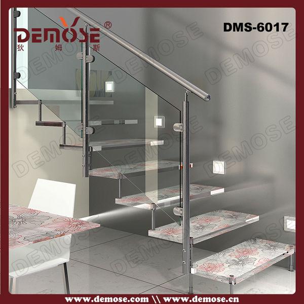 ventana de metal de acero inoxidable escalera recta mango