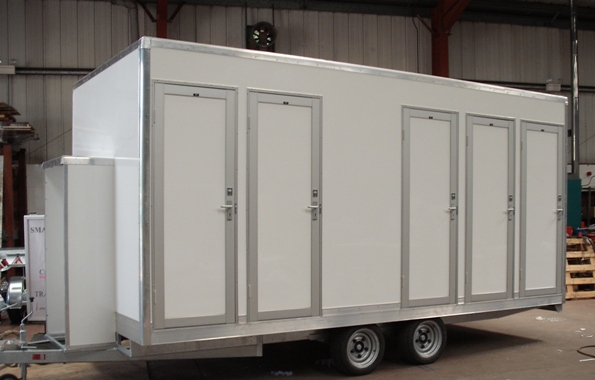 Aluminum trailer side panel, Portable Toilet, Movable trailer Toilet