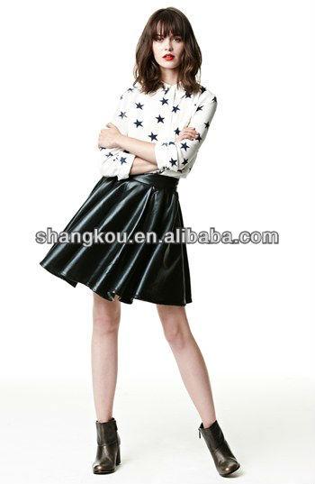 Fotos de mulheres moda saias curtas plissada bonito curto mini saia de couro de design para jovens senhoras