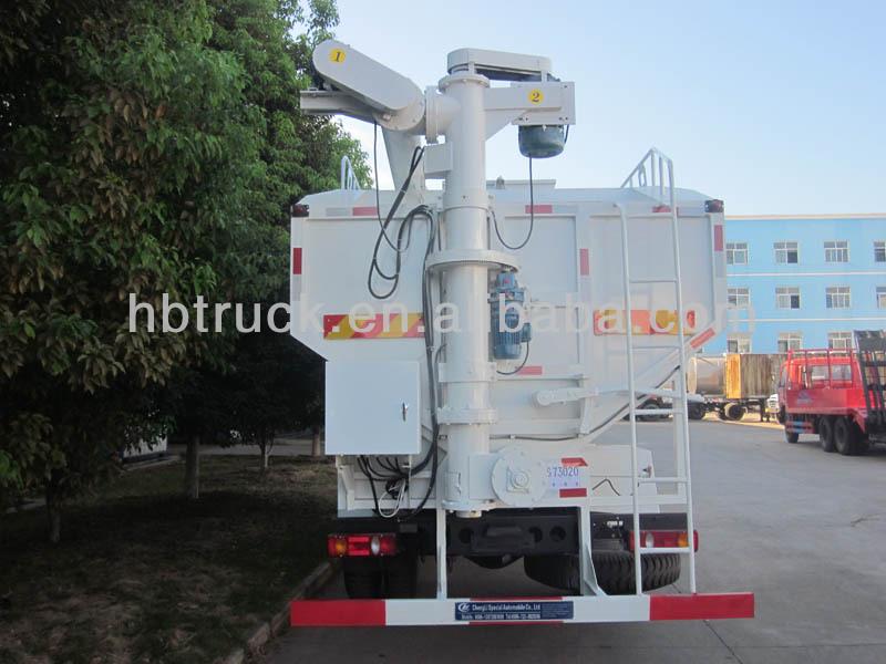 bulk feed truck 07.jpg
