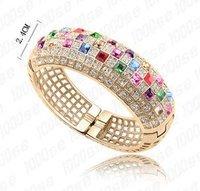 Браслет с кристаллами Swarovski Elegant luxury crystal bangle made with Swarovski Elements