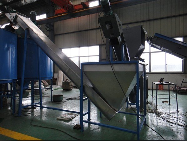 PET bottle recycling and washing plant