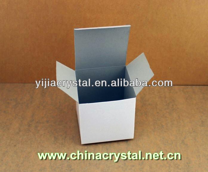 white cardboard box package--11.jpg