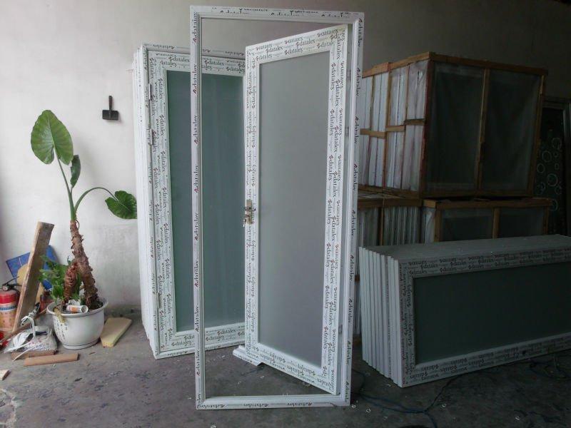 Verre givr aluminium salle de bains portes dessins portes for Porte pour salle de bain
