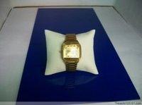 Дисплей для ювелирных изделий Jewelry display bracelet pillow beige faux leather