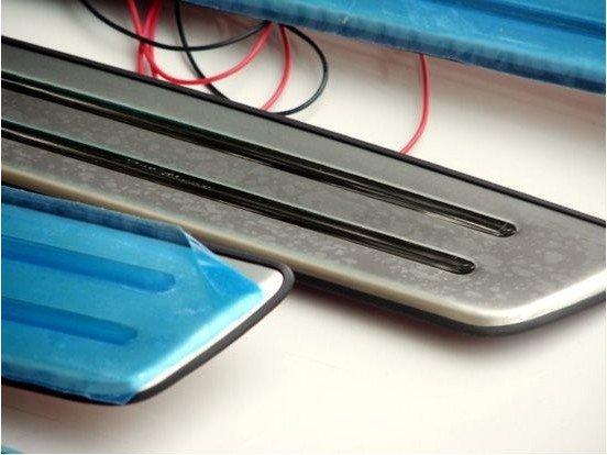 Купить С Синей подсветкой высококачественной нержавеющей стали Скребок/Дверной Порог, автомобиль стайлинг Для 2005-2009 Hyundai Tucson