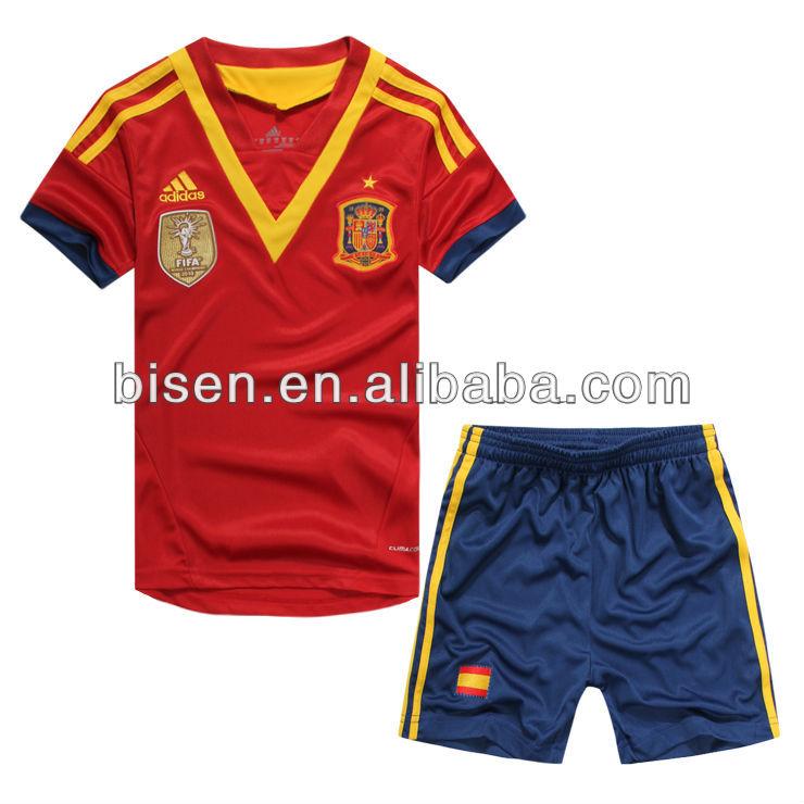 Одежда футбольная для мальчиков
