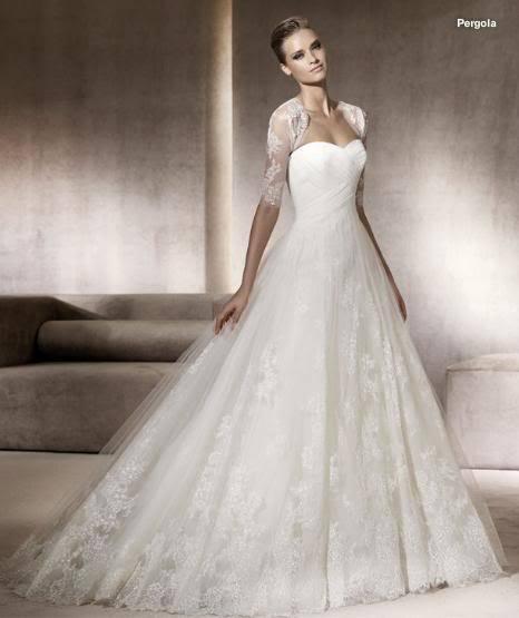 Спиной кружева свадебное платье с