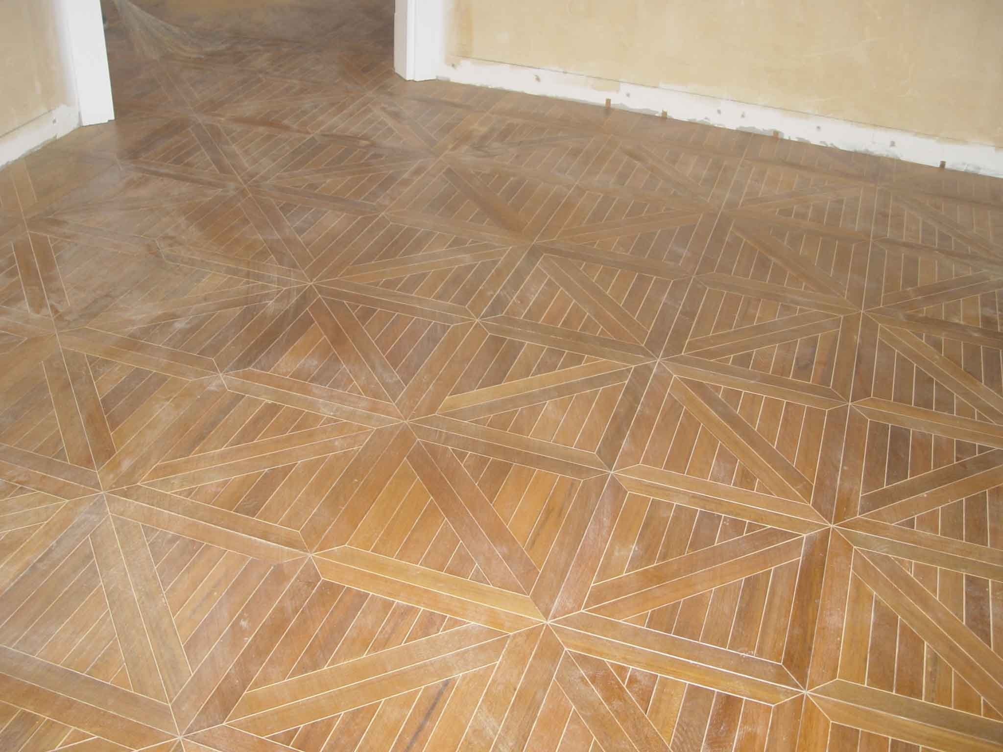 Laminate floors cheap parquet made of hdf board with click for Cheap carpet installation