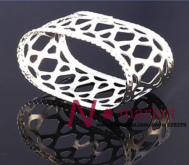 flower napkin ring.jpg