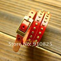 Наручные часы 2013 New Chic Womens Wristwatch Quartz Leather Chain Roman Numerals Rivet Punk Design Analog Watches Bracelet Black Brown Red