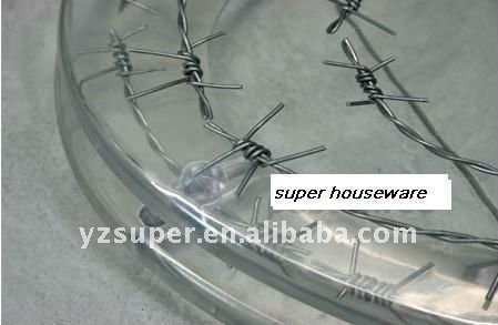 Barbed Wire Toilet Seat.  polyresin toilet seat of barbed wire design