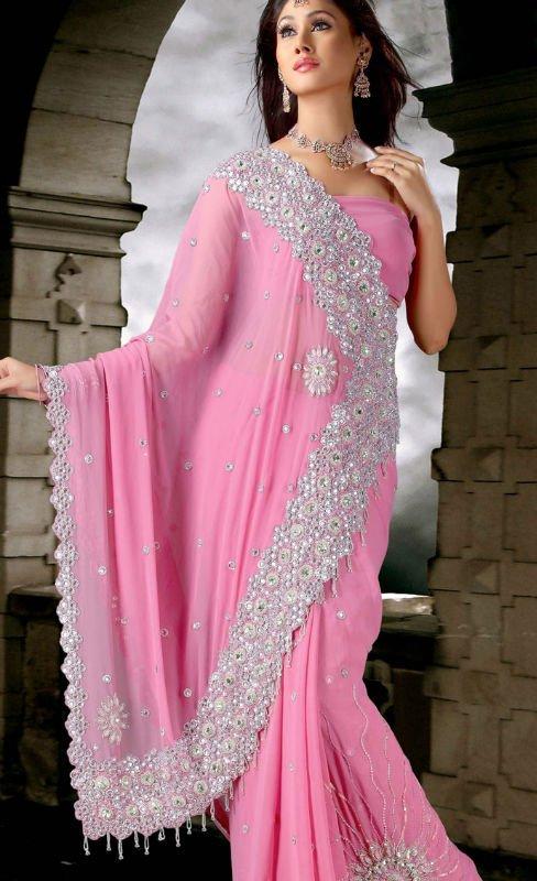 Video Description: Tienen algunos elementos realmente única de sari