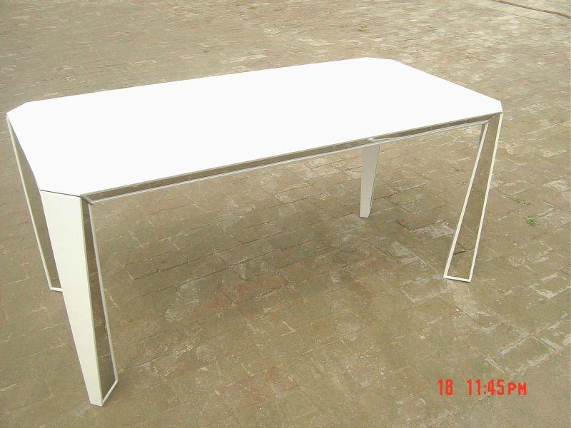 Обеденный стол белый глянец