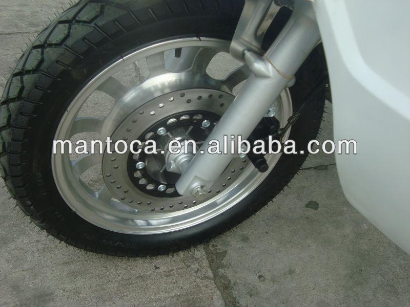 Zongshen 200CC three wheel motorcycle with closed cargo box