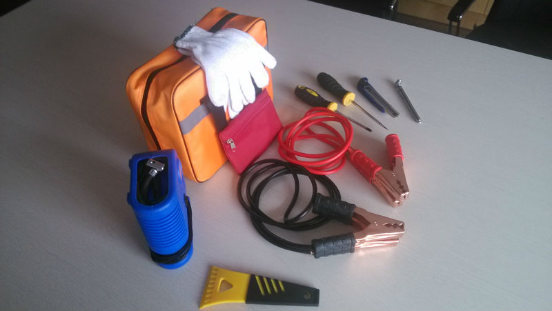 Emergency car kit disaster kit list