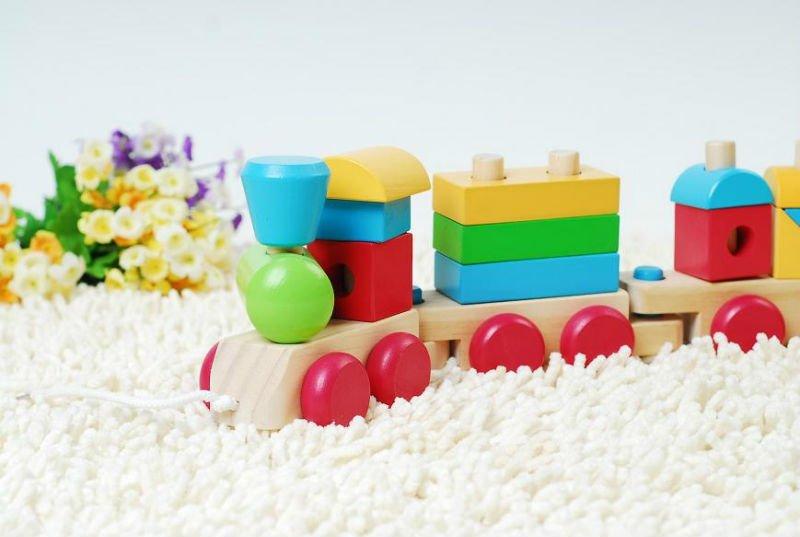 blocco di legno treno