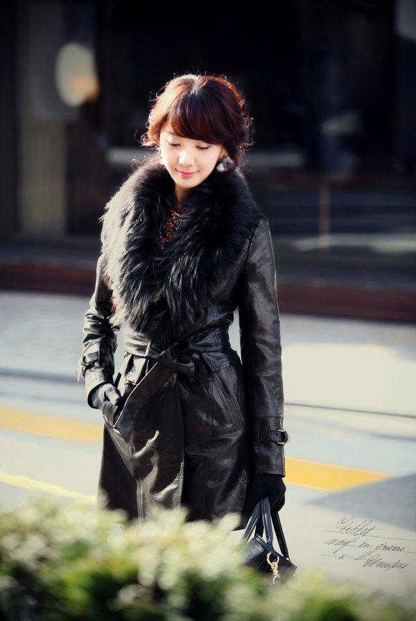 Кожаные пальто с меховым воротником женские