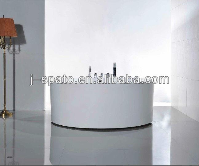Modern round free standing bathtub