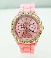 Наручные часы 8 colors top quality Geneva full crystal Silicone watch women ladies fashion wrist watch RQ1133